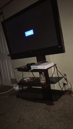 Tv and Xbox one with entertainment center for Sale in Granite City, IL