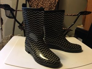 LADIES FASHION RAIN BOOTS. BRAND NEW, ONLY WORN ONCE. SIZE 7 for Sale in La Porte, TX