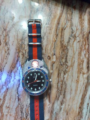 Usb cigarette lighter watch, blue an red for Sale in Houston, TX