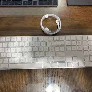 Apple Magic Keyboard 2 with Numeric Keypad for Sale in San Bruno, CA