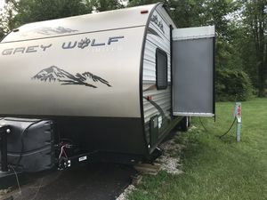 Great wolf by forest river. 30 foot camper/toy hauler for Sale in Columbus, OH