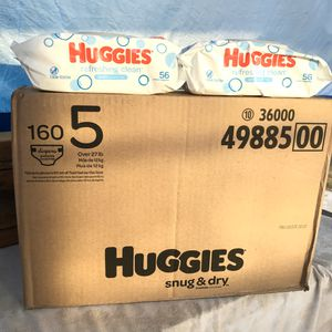 Huggies Size 5/Wipes📍NO DELIVERY📍READ DESCRIPTION FOR LOCATION📍 for Sale in Norwalk, CA