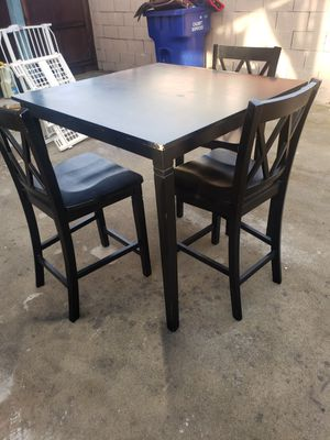kitchen table free for Sale in Downey, CA