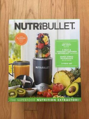 NutriBullet 8-pc. 600-Watt Superfood Nutrition Extractor & Blender Set for Sale in Jersey City, NJ