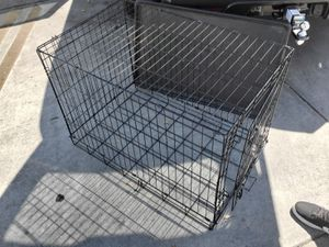 Dog crate size M/L for Sale in Monterey, CA