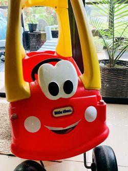 Little Tikes Car Ride for Sale in Pompano Beach,  FL