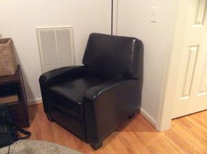 Awesome Black Recliner Just In Time For Football Season! for Sale in Franklin, TN