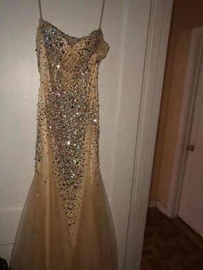 Champagne Gold Prom Dress Size 5/7 for Sale in Houston, TX