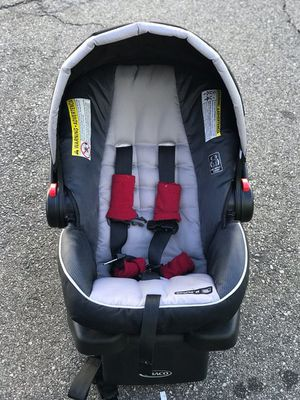 2 child car seats. $25 each or both for $40 for Sale in Chatsworth, CA