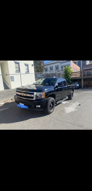 2007 Chevy Silverado LTZ Flex Fuel 4x4 Clean Title for Sale in Sacramento, CA