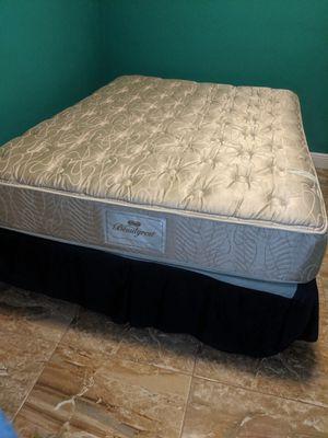Queen Matress & Bed Frame for Sale in Ives Estates, FL