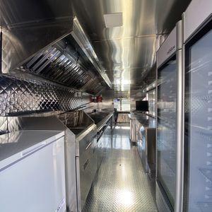 Food Truck - Camion De Comida for Sale in Hialeah, FL