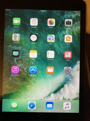 Apple iPad Air with keyboard case unlocked for Sale in Bloomingdale, IL