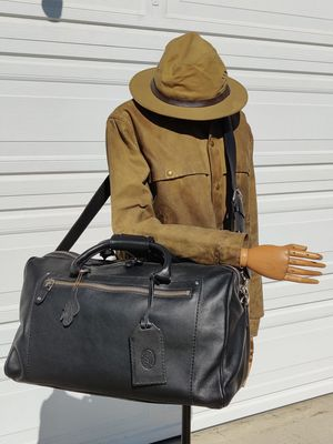 NEW Canada ROOTS leather duffle bag for Sale in Monterey Park, CA
