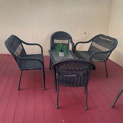Patio Table and Chairs for Sale in Happy Valley,  OR