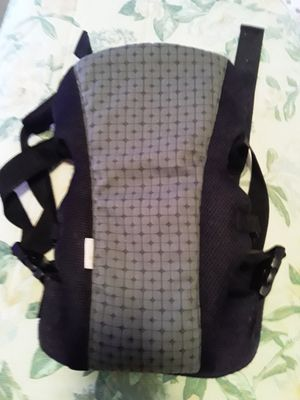 Fleurville front baby carrier for Sale in Kennewick, WA