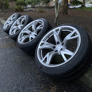 "Rays Forged - 370Z Anniversary Staggered Wheels 19"" for Sale in Everett, WA"