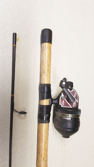 Shakespeare 1810 II fishing reel with rod for Sale in Winfield, IL