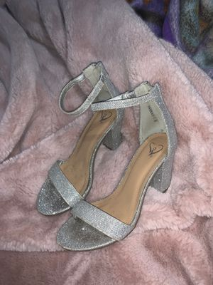 Windsor Heels size 6 for Sale in Richmond, CA
