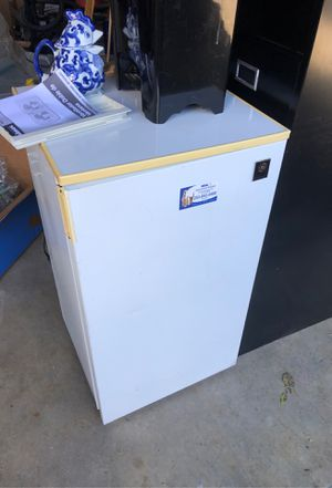 Mini fridge for Sale in Renton, WA