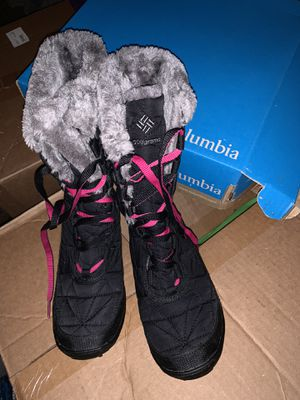 Columbia Girls Winter Boots for Sale in Houston, TX