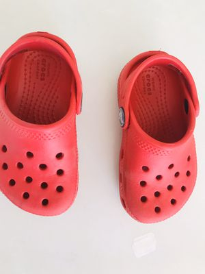 Crocs baby girl like new for Sale in FL, US