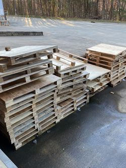 Free pallets and plywood for Sale in Suwanee,  GA