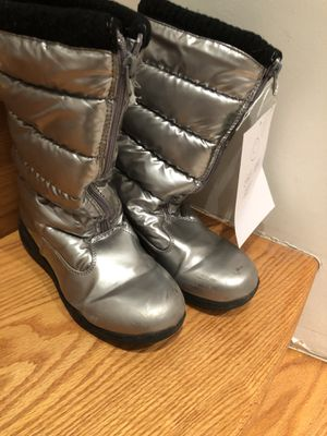 Kid/ girl snow boot youth side 4 for Sale in Queens, NY
