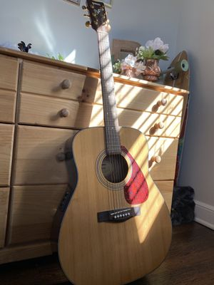 YAMAHA Acoustic Guitar for Sale in Bridgeport, CT
