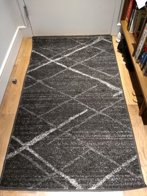 New NuLoom 3x5 area rug for Sale in Brooklyn, NY