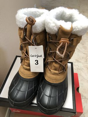 Kids Size 3 Winter Snow Boots *NEW* for Sale in Bonita, CA