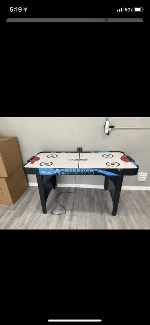 Triumph Air Hockey Table 5ft x 2.5ft (60inch x 30inch)with score board for Sale in Miami, FL