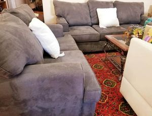 ❄ Grey Sofa And Love Seat Set, $640! Beautiful grey sofa and love seat set for Sale in Layton, UT