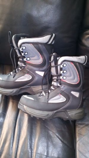 Kids boots size 3 good for rain or snow in great condition for Sale in Orange, CA