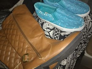 Young girl size 3 boots and loafers for Sale in Kennewick, WA