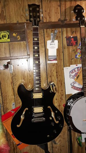 ES335 Gibson guitar with original case. for Sale in Jessup, MD