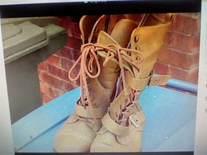 Lady Boots, Size 8 for Sale in Fayetteville, NC