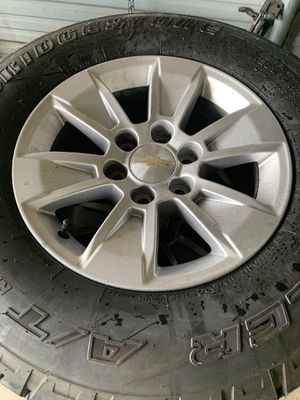 Chevy 265/70/17 80% tread for Sale in Plant City, FL