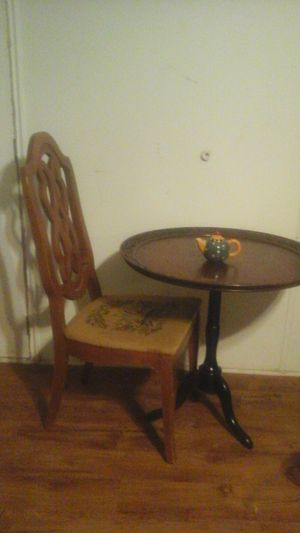 Antique chair and side table for Sale in Gaston, SC