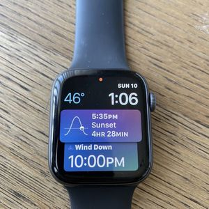 Apple Watch Series 4 Flawless 44mm for Sale in Washington, DC
