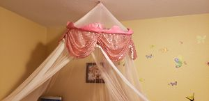 Pink, princess bed canopy. for Sale in Kent, WA