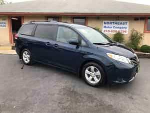 2011 Toyota Sienna for Sale in Universal City, TX