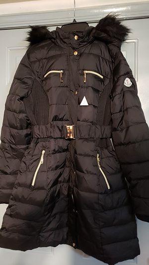 Moncler Black coat with faux fur trim hoodie for Sale in Secaucus, NJ