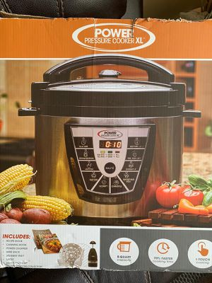Power pressure cooker XL includes Extras 8Qt for Sale in Queens, NY