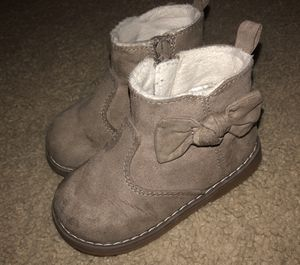 Size 6 in (Toddler girls) H&M boots for Sale in Tustin, CA