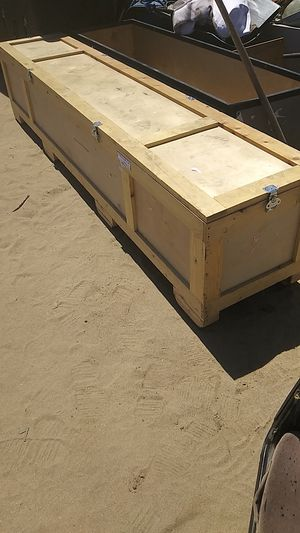 Wooden storage container with locking latches for Sale in Manteca, CA