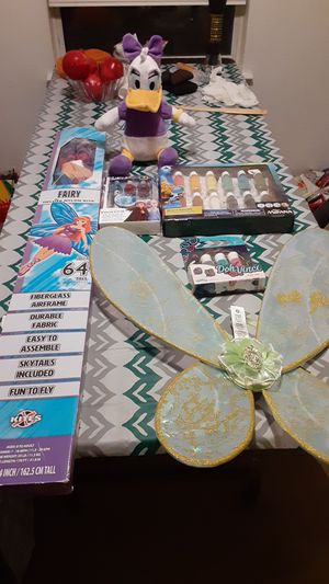 Frozen 2 with cars and colors and butterfly that lights up for Sale in Clovis, CA