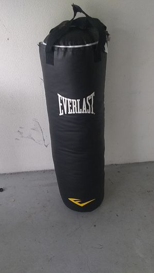 Everlast punching bag for Sale in Tampa, FL