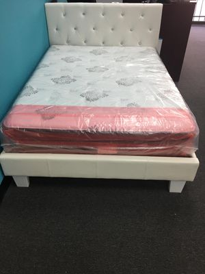 Queen bed frame with mattress pillow top for Sale in Houston, TX