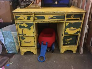 Solid wood vintage desk for Sale in Murfreesboro, TN